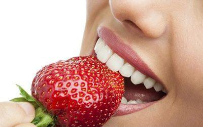 از بین بردن لکه های روی دندان با خوراکی