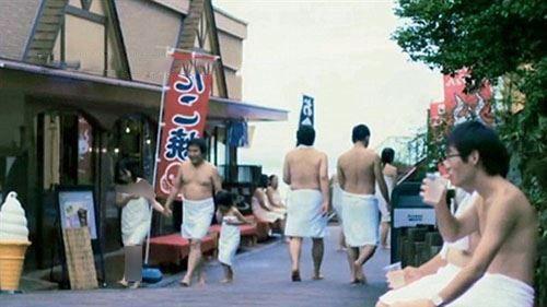 مردان و زنان لخت در پارک حمام کشور ژاپن