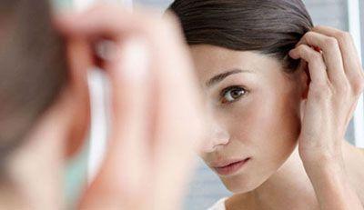 علت ها و راه درمان ریزش مو در خانم ها