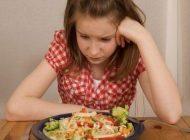 کاهش اشتها و پرخوری دو ویژگی دوران نوجوانی
