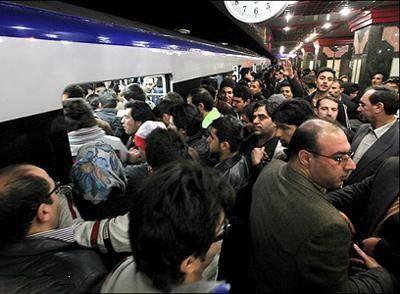 شعر طنز اندر احوالات مردم در متروی تهران