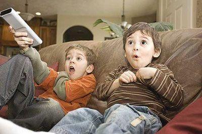 تاثیر تماشای فیلم های تحریک آمیز روی کودکان