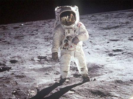 وزن انسان در فضا و سیاره ها چقدر است؟