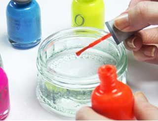 ترفند طراحی ناخن زیبا با آب و لاک مدل ناخن
