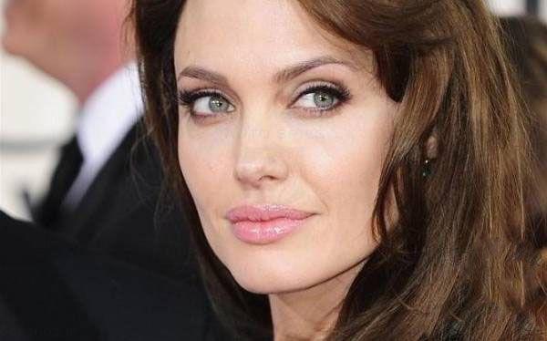 آنجلینا جولی از علاقه اش برای سفر به ایران گفت