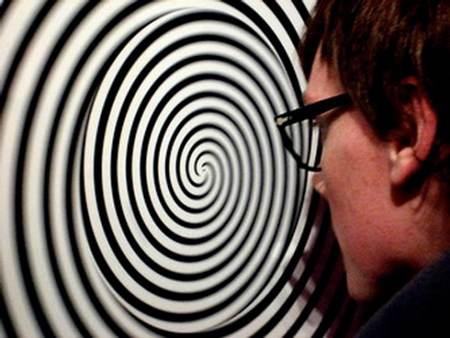 هیپنوتیزم و حالت خواب شگفت انگیز مصنوعی