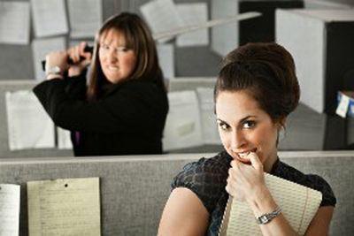 نحوه رفتار با همکاران بد اخلاق در محیط کار