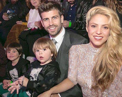 عکس شکیرا و پیکه و فرزندانشان در یک مراسم