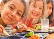 تغذیه و خوراکی های مفید برای دانش آموزان
