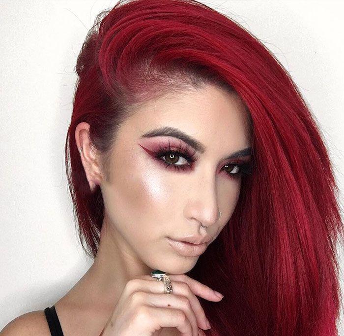 مدل آرایش صورت با موی شرابی از Lexilazaro