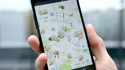 معرفی بهترین برنامه نقشه موبایل Waze Social GPS