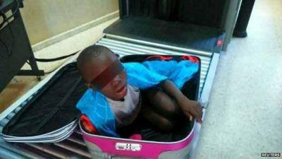 پسری داخل چمدان در فرودگاه اسپانیا لو رفت