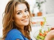 بهترین توصیه های تغذیه ای مناسب برای خانم ها
