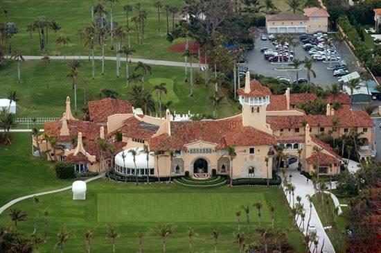 کاخ ساحلی ترامپ برای تعطیلات آخر هفته با همسرش