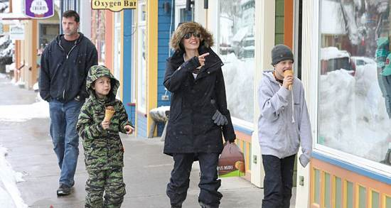 کریسمس آنجلینا جولی در کلرادو بدون برد پیت