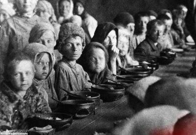تصاویر وحشتناک از آدم خوارهای زمان جنگ جهانی