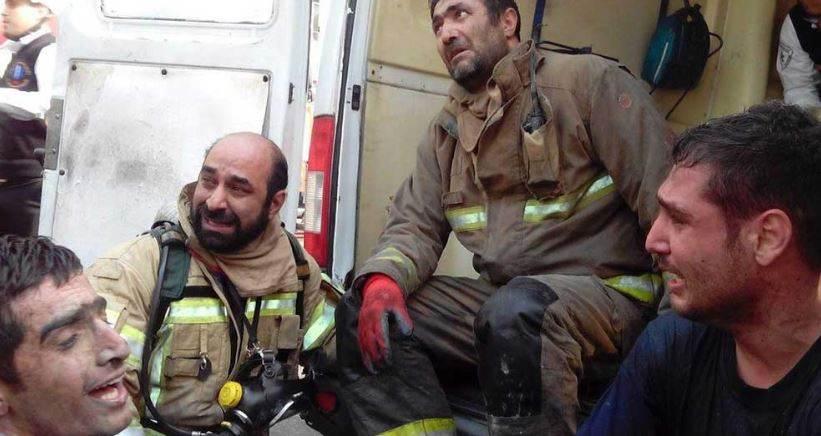 ساختمان پلاسکو تهران در آتش سوخت و فرو ریخت