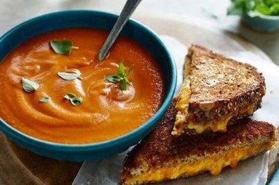 سوپ گوجه فرنگی خامه ای یک پش غذای عالی