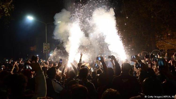 عکسهای دیدنی با شکوه ترین آتش بازی سال 2017