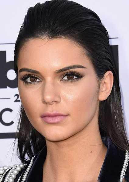 زیباترین مدل های آرایش به سبک Kendall Jenner