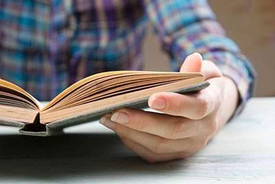 بهترین فواید و مزیت های کتاب خواندن را بدانید