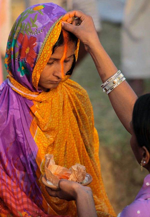 روش های مختلف دعا کردن مردم جهان