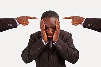 رفتار صحیح در مقابل انتقاد در محل کار