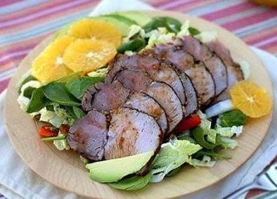طرز تهیه سالاد گوشت بریان و سبزیجات