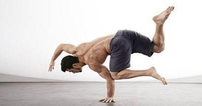 آموزش حرکات ورزشی با استفاده از وزن بدن