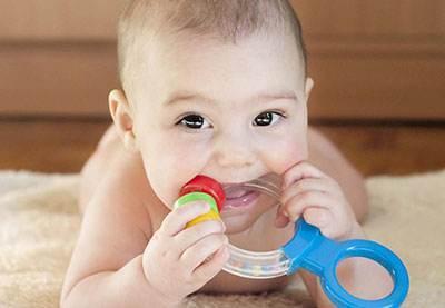 همه چیز درباره رویش دندان نوزادان