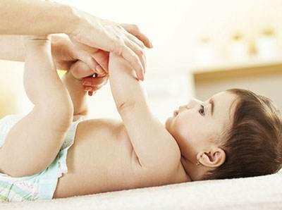 همه چیز درباره اسهال نوزادان و راه های درمان