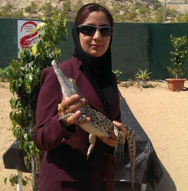 دختر ایرانی پرورش دهنده کروکودیل در قشم
