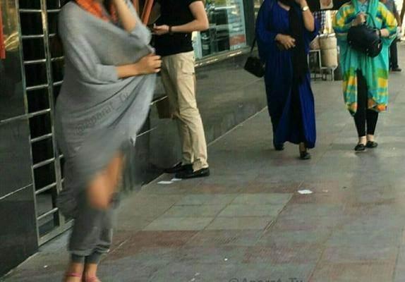 تصاویر نیمه عریان دختران تهرانی در ملاء عام