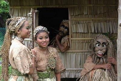 فستیوال جالب مردم این روستا برای ارواح مردگان