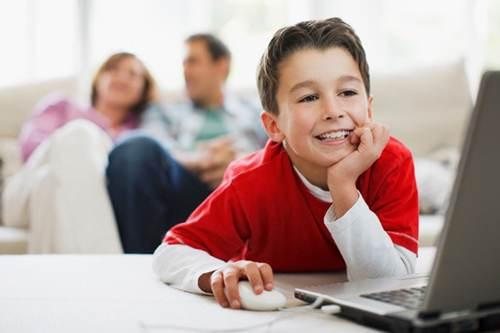 زندگی مجازی فرزندان خود را کنترل کنید