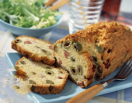 آموزش تهیه نان زیتون و ژامبون خوش طعم