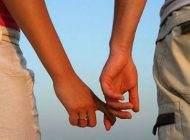آرزوی دستیابی به رابطه عمیق عاطفی در انسان ها