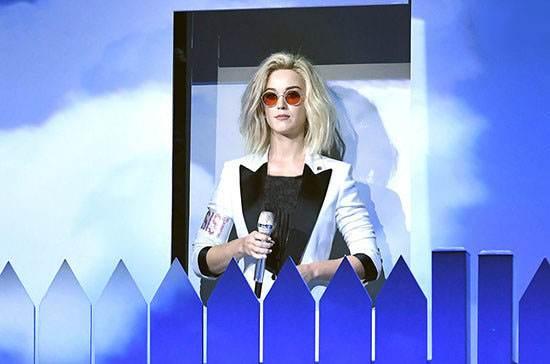 ستاره های معروف در مراسم گرمی 2017
