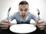 همه ضررهای با عجله و تند غذا خوردن