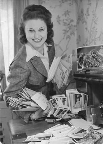 بازیگر زن مشهور که در اصل جاسوس روسیه بود