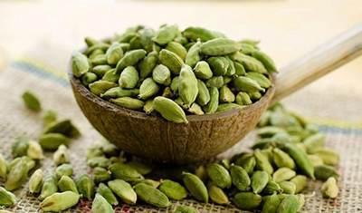 معرفی خواص مفید دانه هل در طب سنتی