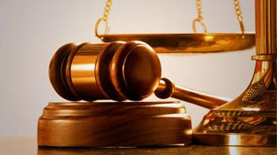 نگاهی به هفتم اسفندماه روز وکیل