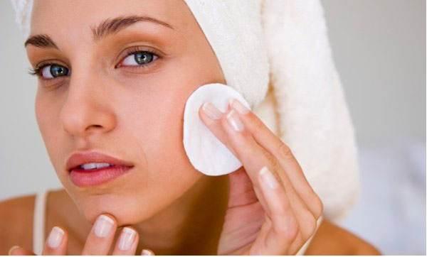 خاصیت های مفید آب گازدار برای پوست