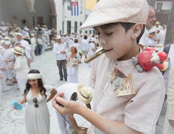جشنواره آرد بازی در کشورهای یونان و اسپانیا