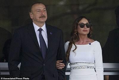 آقای رئیس جمهور همسرش را معاون اول کرد