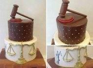 انواع تزیینات کیک برای تبریک روز وکیل