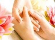 لمس و فشار دادن انگشت ها برای درمان استرس