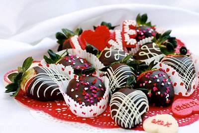 مدل های تزیین توت فرنگی با شکلات زیبا
