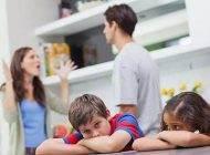 والدین این 10 کار را جلوی کودکان انجام ندهید