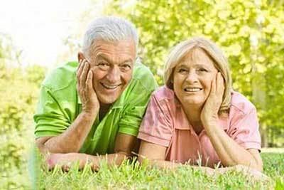 سالمندان شاد و با اعتماد به نفس بالا